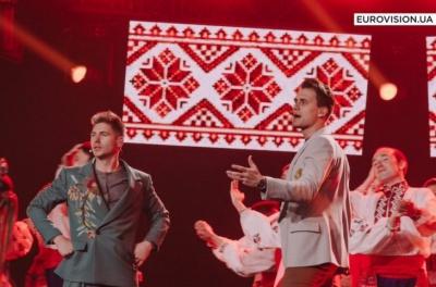 Ведучі Євробачення-2017 вразили глядачів оригінальним номером (ВІДЕО)