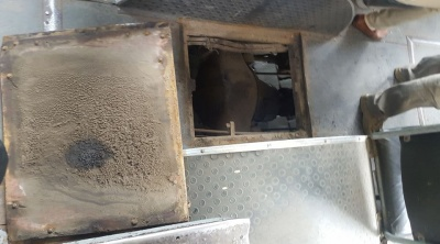 Мережу обурив відчинений люк у салоні тролейбуса, який курсував у Чернівцях