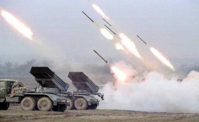 """Бойовики на Донбасі застосували заборонені """"Гради"""" і важку артилерію"""