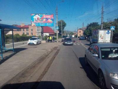 У Чернівцях мотоцикліст потрапив у ДТП на вулиці Руській (ФОТО)
