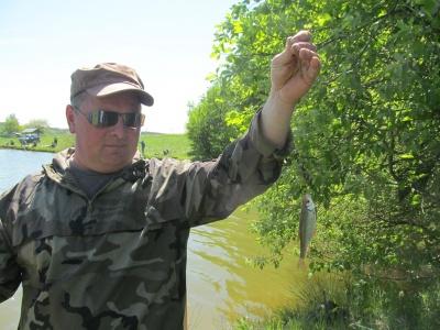 На Буковине рыбаки устроили летние соревнования по рыбалке (ФОТО)