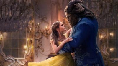 """Емма Уотсон із чоловіком у безглуздому костюмі: як знімався фільм """"Красуня і Чудовисько"""""""