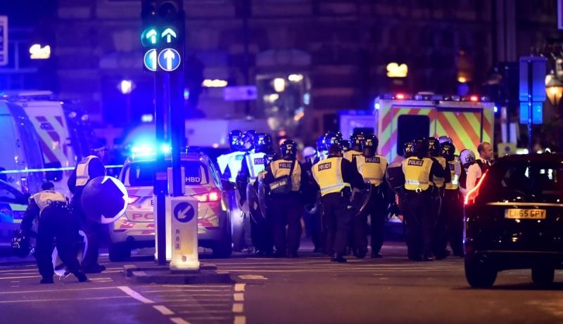 Теракт уЛондоні: поліція затримала 12 підозрюваних