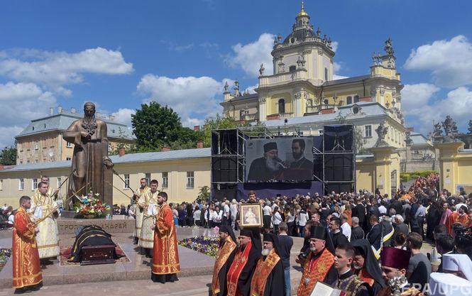 Похорон Любомира Гузара відбудеться упонеділок