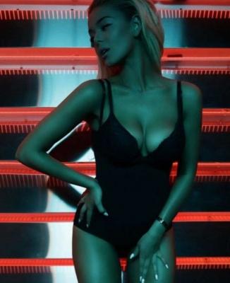Провокация сработала. Певица из Черновцов Алина Гросу прокомментировала свой скандальный клип