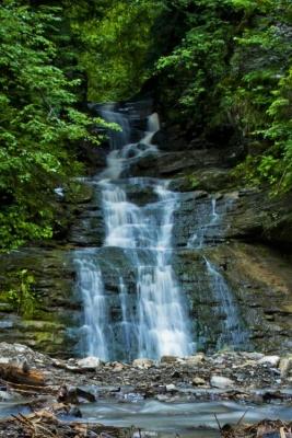 Невідома Буковина: водоспад, що зникає й витікає з-під землі