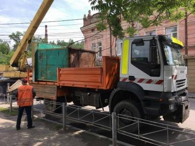 Инспекция Обшанського демонтировала в Черновцах еще два МАФы (ФОТО)