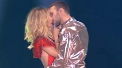 Макс Барських пристрасно поцілував Світлану Лободу на російській сцені: курйозне відео