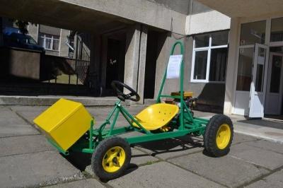 На создание автомобиля студент ЧНУ потратил 7000 гривен