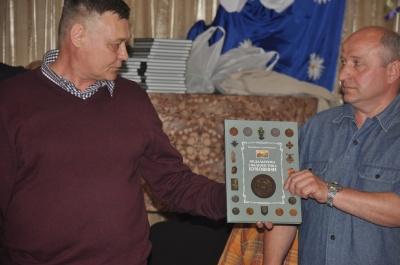 В Черновцах презентовали книгу о медалях, значках и наградах времен Румынии и Австро-Венгрии (ФОТО)