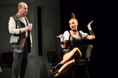Авторам скандальної вистави у Чернівцях порадили звільнитися з театру