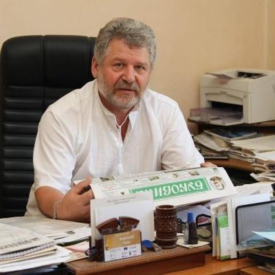 Парубій нагородив головного редактора газети «Буковина» грамотою Верховної Ради