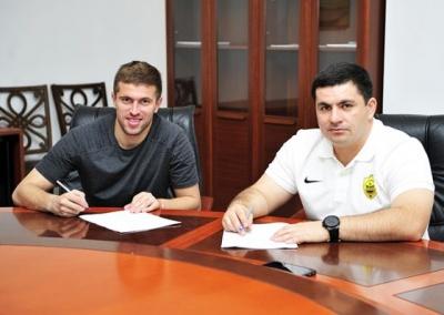 Футболіст з Чернівців перейшов в російську команду