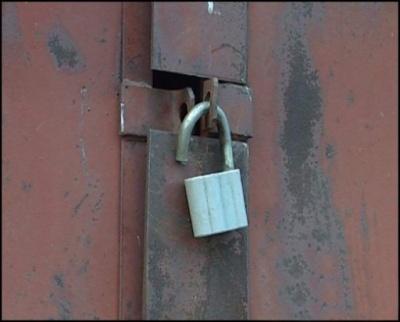 На Буковині поліція затримала двох братів, які обкрадали новобудови і гаражі