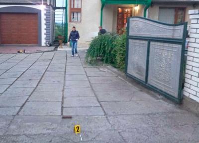 У поліції Буковини розповіли подробиці інциденту з гранатою, яку кинули на подвір'я підприємця