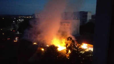 У Чернівцях уночі згорів ресторан (ФОТО)