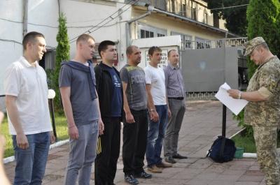 «Все, как у солдата»: офицеры запаса из Черновцов - о первых днях службы