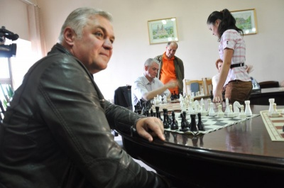 Мэр Черновцов заявил, что подаст в суд на депутата «Родного города»
