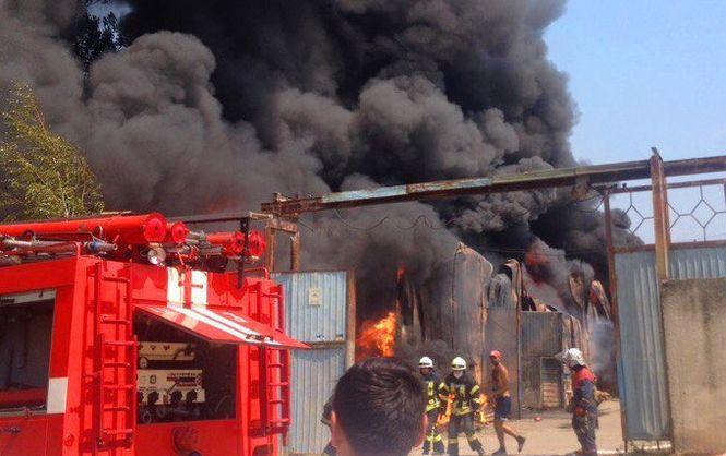 НаХарківщині під час пожежі наскладах постраждали 2 чоловіків