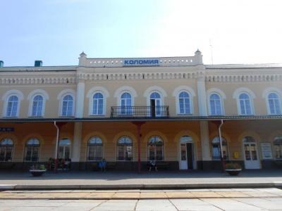 У Коломиї застряг потяг Одеса-Чернівці – поламався локомотив
