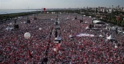 На марш опозиції у Стамбулі вийшли сотні тисяч турків