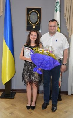 """Дівчина, що врятувала життя дитині на Буковині, номінуватиметься на звання """"Герой рятувальник року"""""""