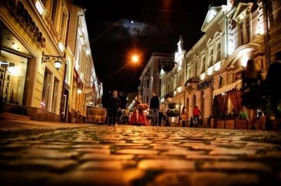 У Чернівцях збирають групу на нічну екскурсію містом