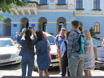 В Черновцах туристический бум: больше всего приезжают киевляне и иностранцы (ФОТО)