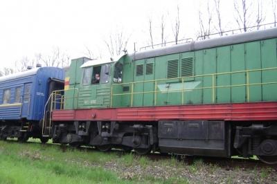 Чернівчанин, що потрапив під потяг, лежить без свідомості у реанімації