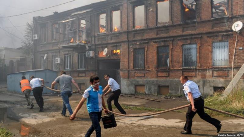 УРостові десятки людей покинули домівки через пожежі вприватному секторі