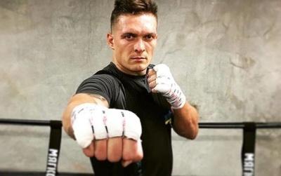 Усик прокоментував рішення Кличка залишити професійний ринг