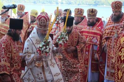 Предстоятель УПЦ Онуфрій помолиться в дитбудинку на Буковині