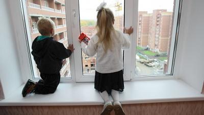 «Ходили вулицями самі і немиті»: сімох діток вилучили з родини через недбалість матері