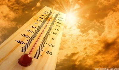 Прогноз погоди на 12 серпня: спека не відступає, але на захід сунуть дощі