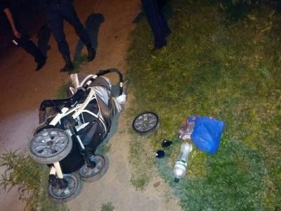 В Черновцах легковушка сбила женщину с младенцем - водитель скрылся с места аварии. ОБНОВЛЕНО
