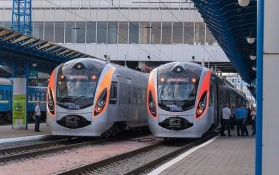 Більшість пасажирських вагонів не мають кондиціонерів – Укрзалізниця
