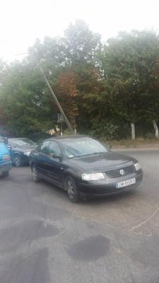 У Чернівцях утворився затор на вулиці Калинівській через похилену електроопору