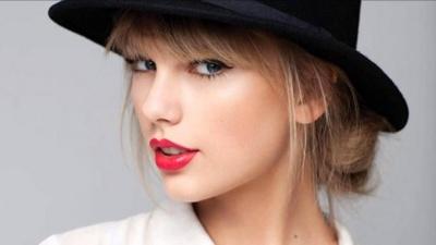 Тейлор Свифт выиграла дело о сексуальных домогательствах