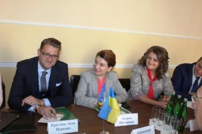 Фищук поговорив з урядовцем Румунії про відкриття у дитсадках Чернівців румуномовних груп