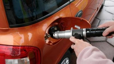 Из-за подорожания газа для автомобилей эксперт посоветовал водителям возвращаться к бензину