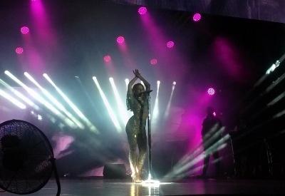 Тіна Кароль зібрала аншлаг на концерті у Чернівцях (ВІДЕО)