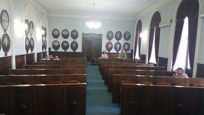 У Чернівцях день депутата напередодні сесії міськради відвідав лише один обранець