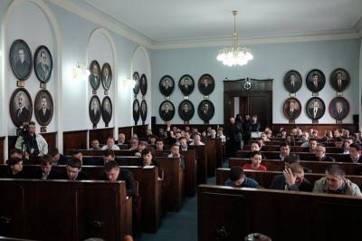 Чернівецька міськрада не підтримала встановлення мораторію на підвищення комунальних тарифів
