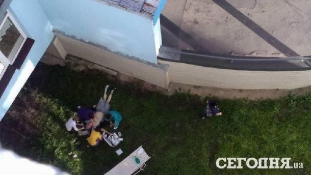 В Івано-Франківську студент випав з9-го поверху гуртожитку