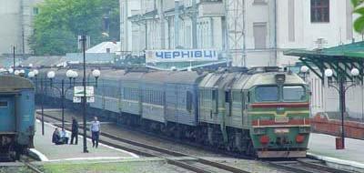 На Покрову призначено 5 додаткових потягів, зокрема й на Чернівці