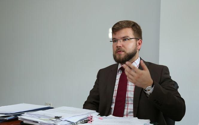 Кабмін погодив контракт із новим головою «Укрзалізниці» Кравцовим
