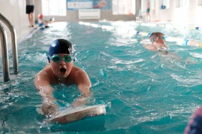 У Чернівцях за програмою плавання планують навчати ще 200 дітей