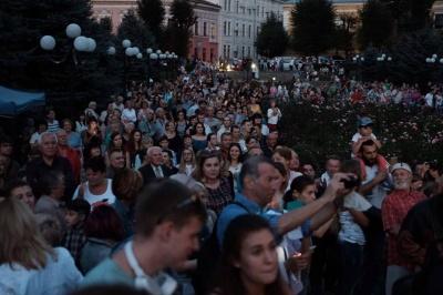 У центрі Чернівців оркестр Фельдмана відіграв феєричний концерт (ФОТО)