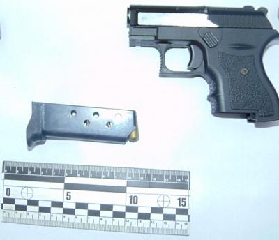 Черновчанин возил в авто пистолет и гранату