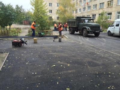 У Чернівцях ремонтують міжбудинкові проїзди на кілька мільйонів